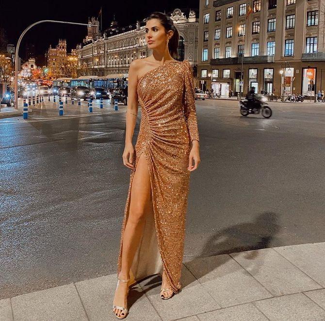 Модные платья с разрезом: лучшие фасоны и силуэты 2020-2021 года 10