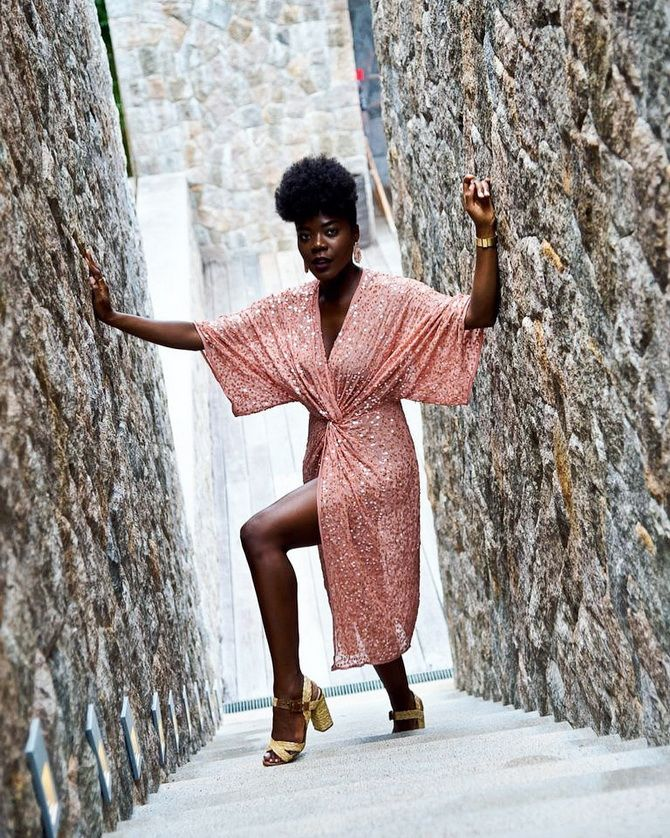 Модные платья с разрезом: лучшие фасоны и силуэты 2020-2021 года 28