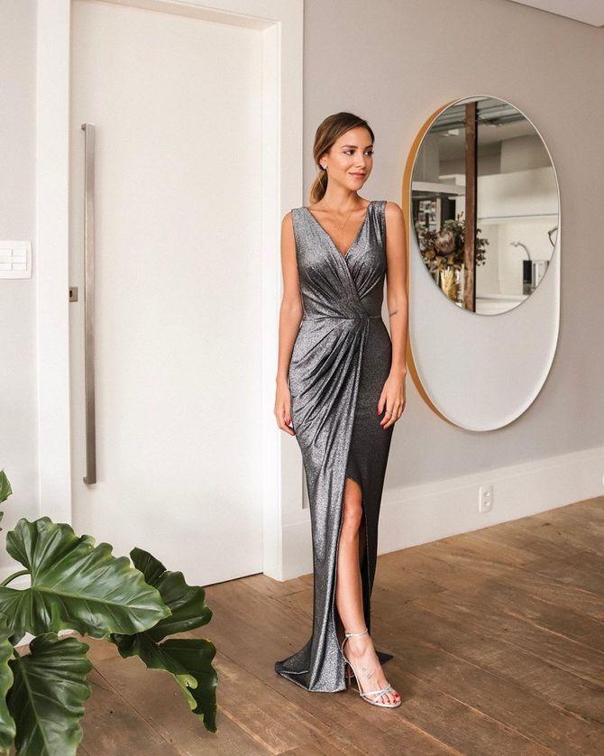 Модные платья с разрезом: лучшие фасоны и силуэты 2020-2021 года 29