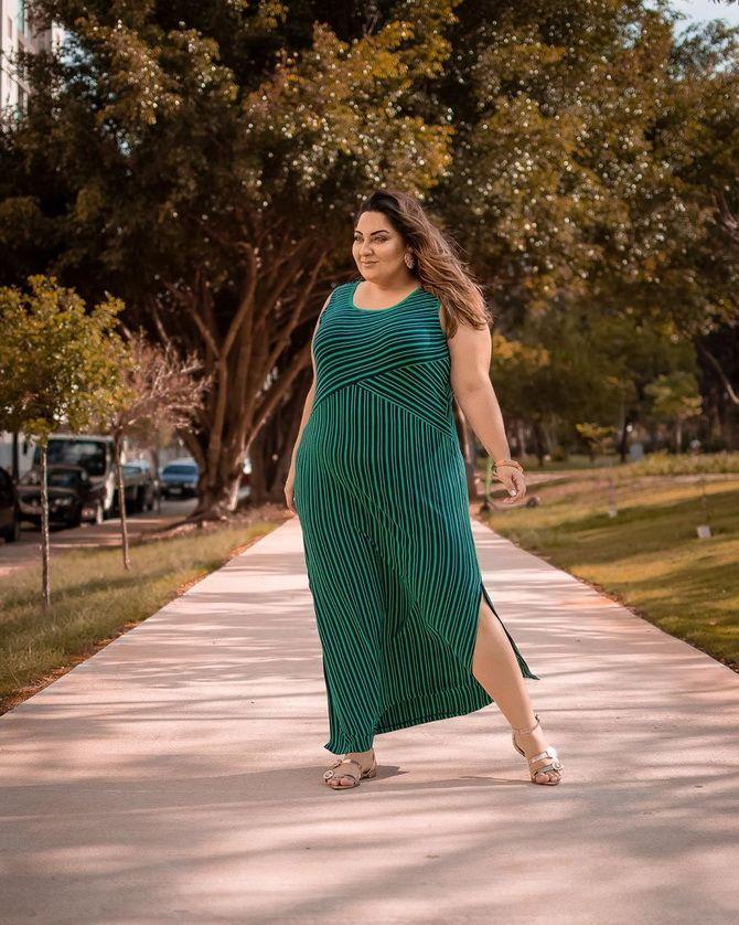Модные платья с разрезом: лучшие фасоны и силуэты 2020-2021 года 41