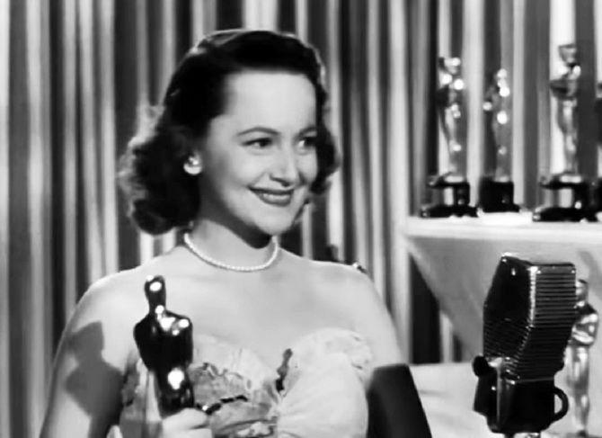 Актриса легендарного фільму «Віднесені вітром» померла у віці 104 років 3