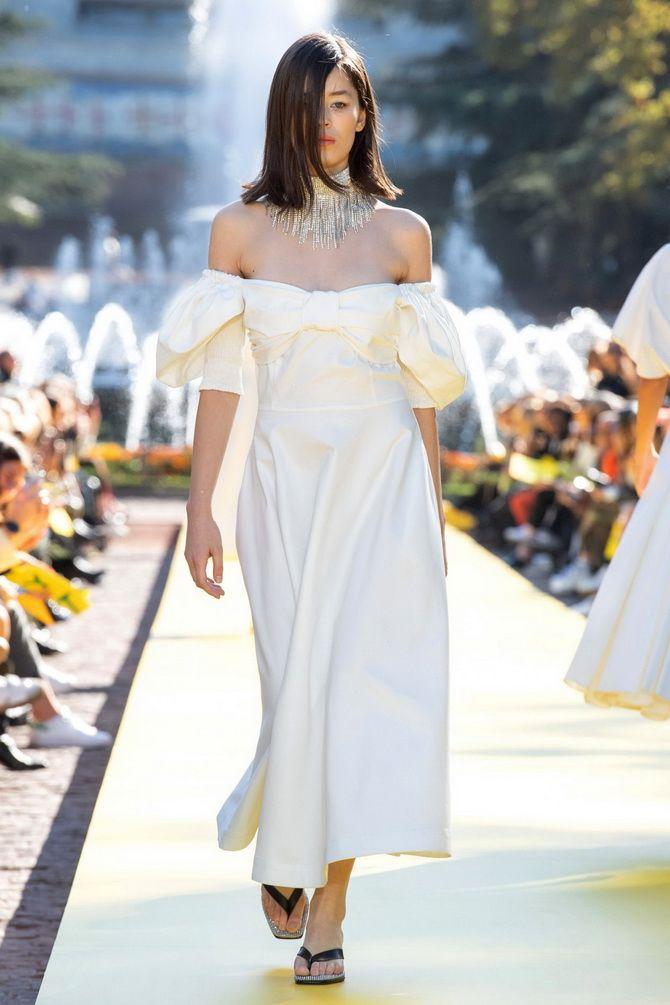 Літня романтика: обираємо сукню 2021-2022 року з відкритими плечима 16