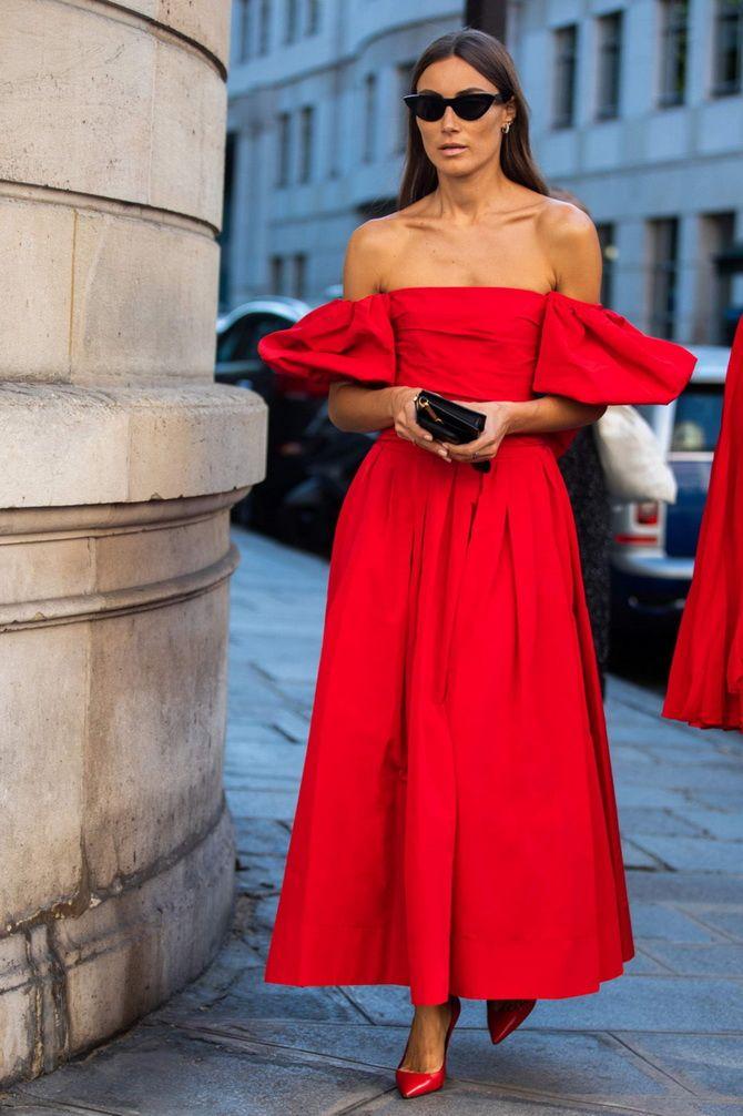 Літня романтика: обираємо сукню 2021-2022 року з відкритими плечима 23