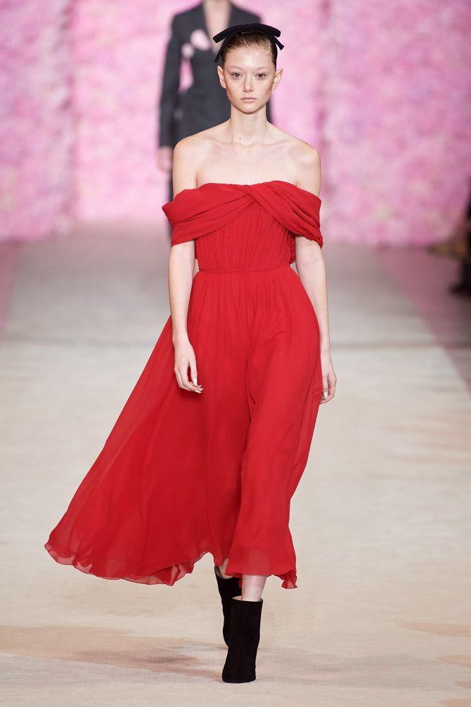 Літня романтика: обираємо сукню 2021-2022 року з відкритими плечима 29