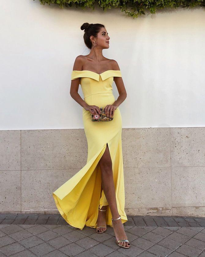 Літня романтика: обираємо сукню 2021-2022 року з відкритими плечима 35