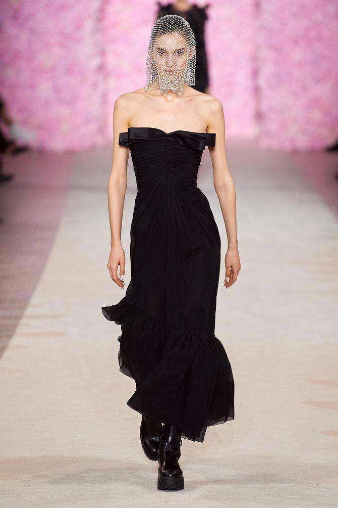 Літня романтика: обираємо сукню 2021-2022 року з відкритими плечима 38