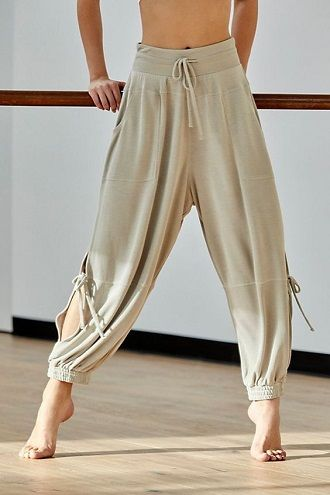 Літні штани на резинці: зручний і трендовий одяг в сезоні 2021-2022 19