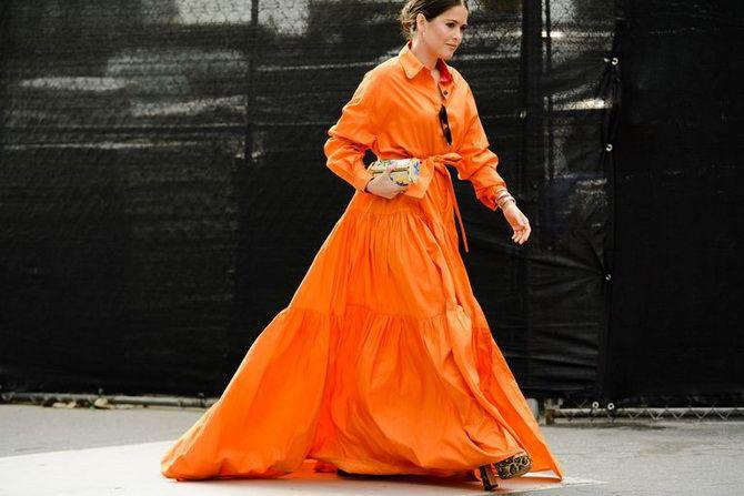 Широкие и роскошные: самые модные расклешенные платья 2021-2022 года 29