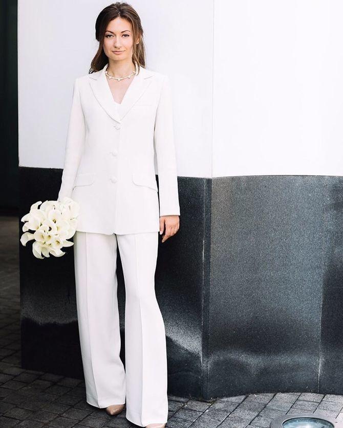 Свадебные костюмы для невест: стильные идеи для особенного дня 15