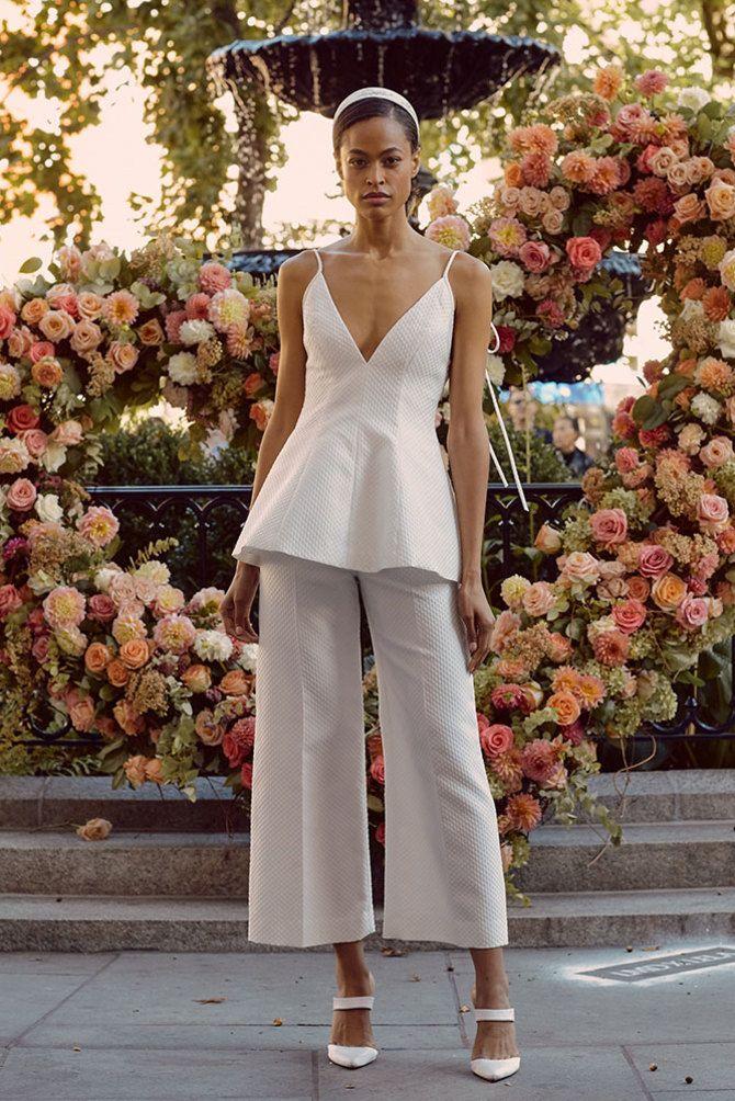 Свадебные костюмы для невест: стильные идеи для особенного дня 25