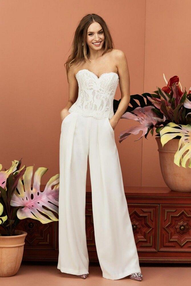 Свадебные костюмы для невест: стильные идеи для особенного дня 35
