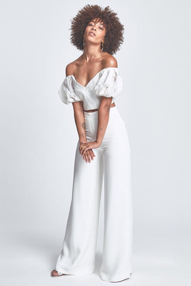 Свадебные костюмы для невест: стильные идеи для особенного дня 36