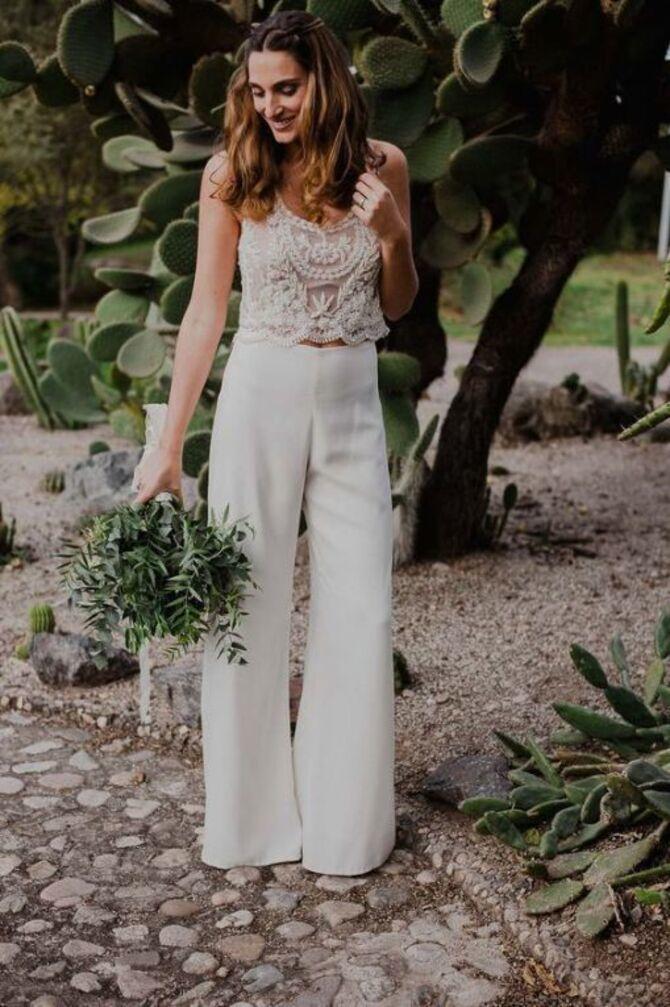 Свадебные костюмы для невест: стильные идеи для особенного дня 37