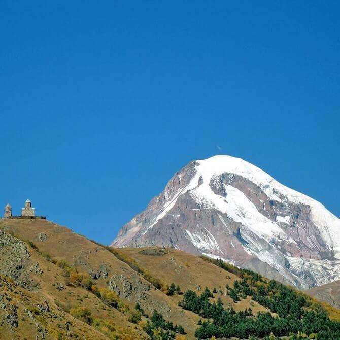 Восхождение на гору Казбек – маршрут, окутанный легендами и древностями 1