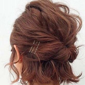 Красивые прически на 1 сентября с распущенными волосами для девочек 35