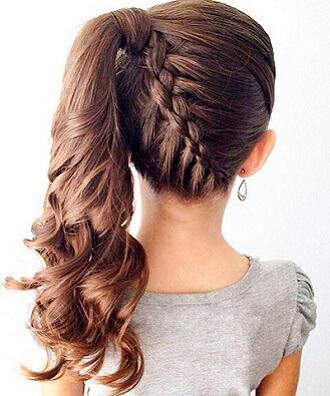 Прості і красиві зачіски в школу за 5 хвилин 3