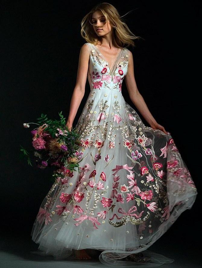 Сукні з вишивкою – кращі моделі сезону 2020-2021 3