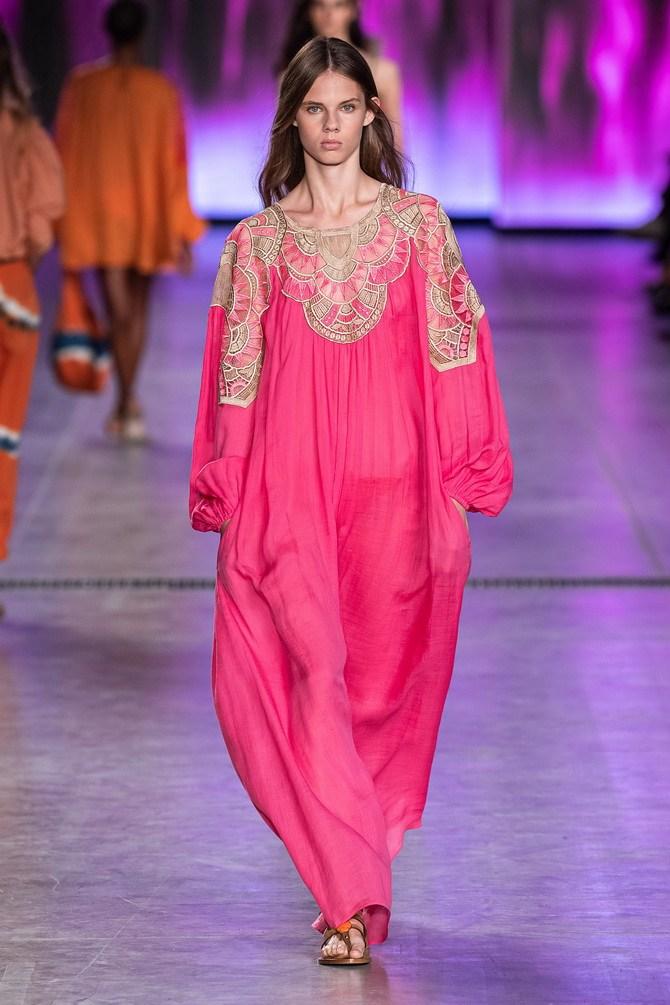 Сукні з вишивкою – кращі моделі сезону 2020-2021 8