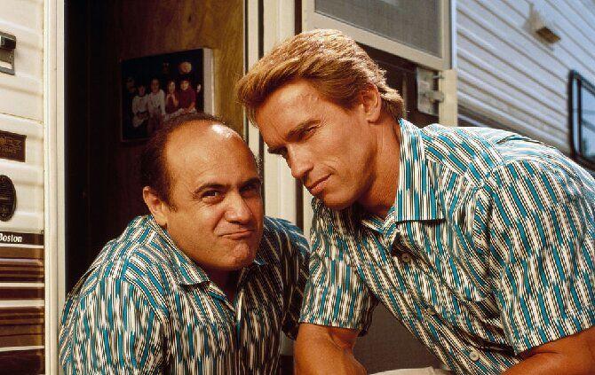 Как две капли воды: топ-7 самых крутых и забавных фильмов про близняшек 5