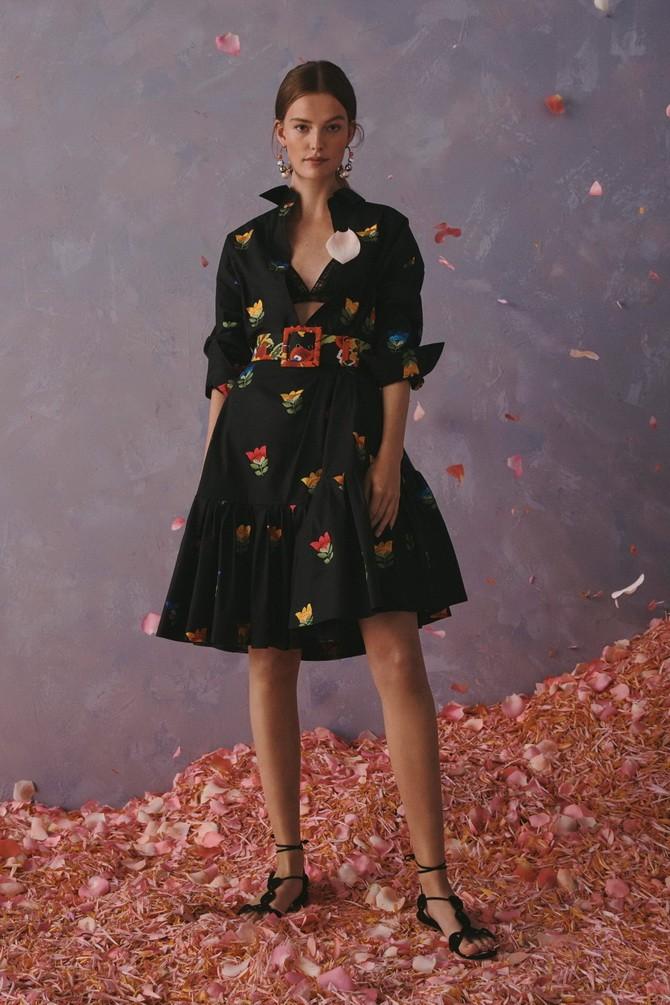 Сукні з вишивкою – кращі моделі сезону 2020-2021 23