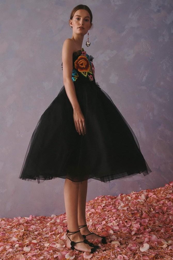 Сукні з вишивкою – кращі моделі сезону 2020-2021 24
