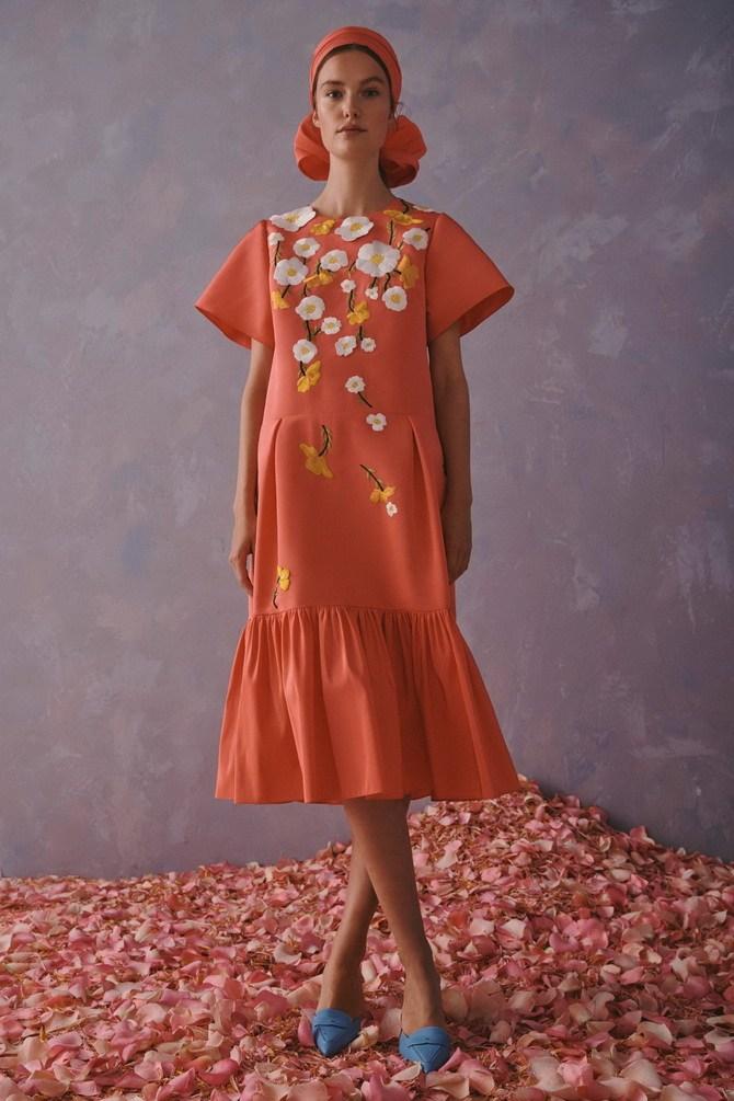 Платья с вышивкой — лучшие модели сезона 2021-2022 27