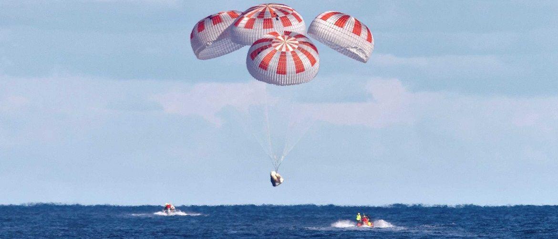 Миссия выполнена: астронавты из экипажа SpaceX вернулись на Землю