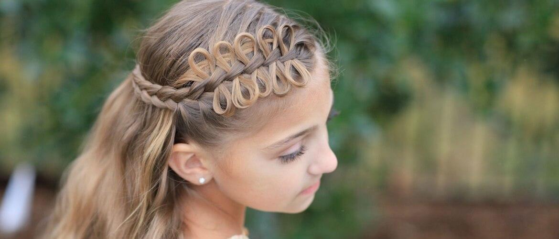 Красивые прически на 1 сентября с распущенными волосами для девочек