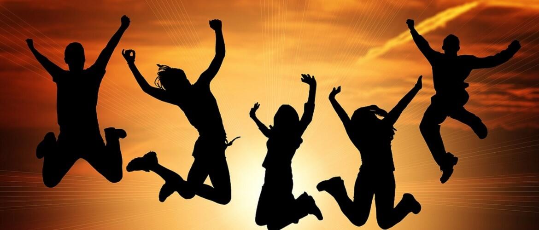 Оригинальные поздравления в Международный день молодежи