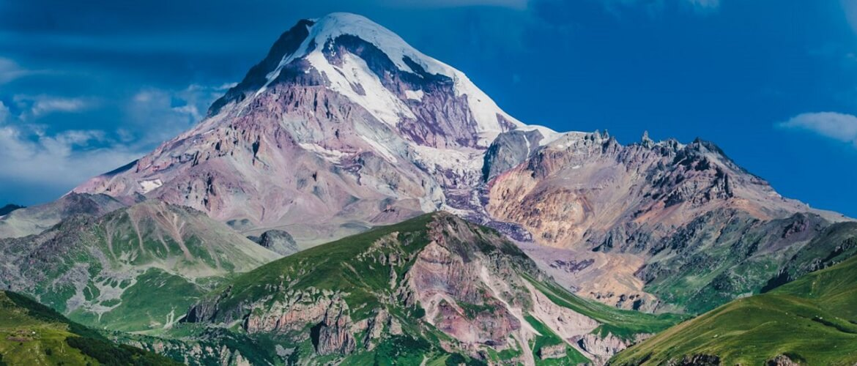 Восхождение на гору Казбек – маршрут, окутанный легендами и древностями