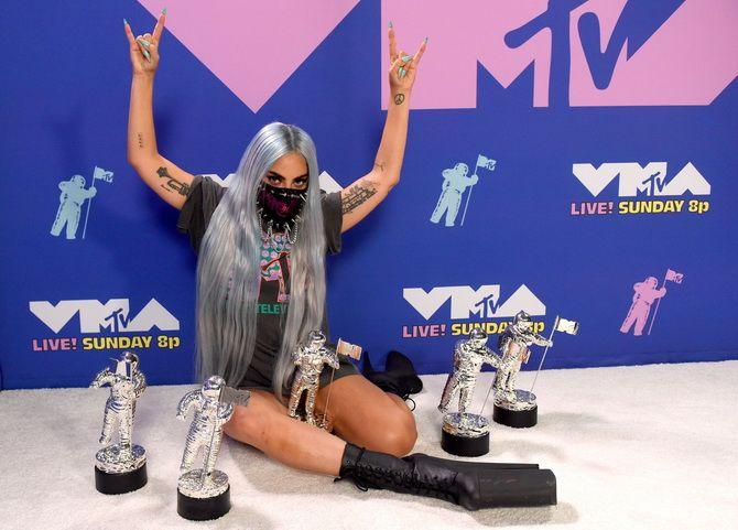 Маски Леді Гаги, найкращі відео та пісня року: як пройшла церемонія MTV Video Music Awards-2020 7