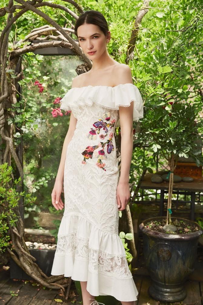Платья с вышивкой — лучшие модели сезона 2021-2022 18