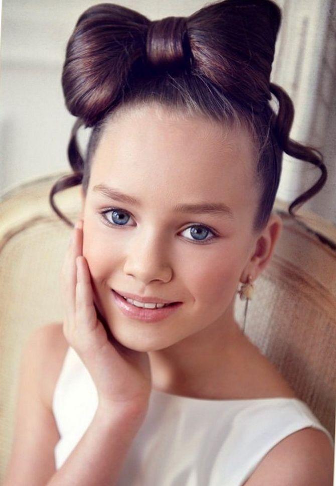 Зачіска з 1 бантом для дівчинки: стильні ідеї на 1 вересня 30