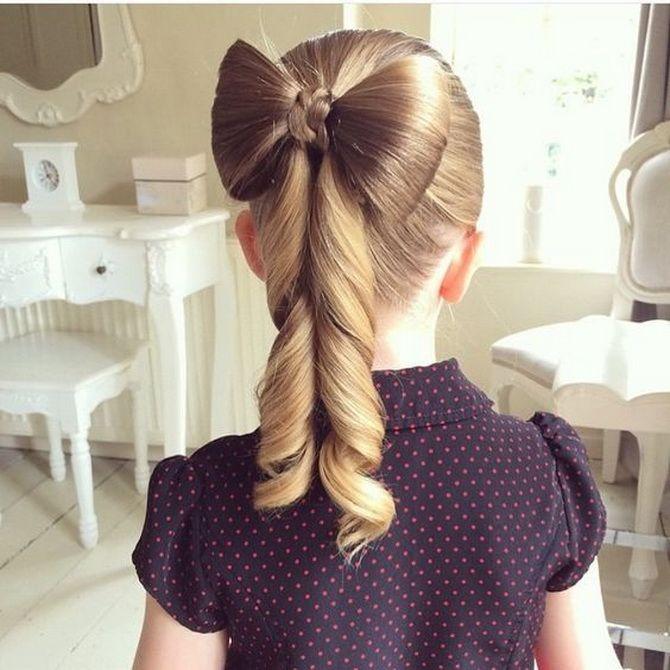 Зачіска з 1 бантом для дівчинки: стильні ідеї на 1 вересня 31