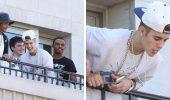 Плювки з балкону, нецензурна лайка і кібербулінг: як зірки принижують своїх фанатів