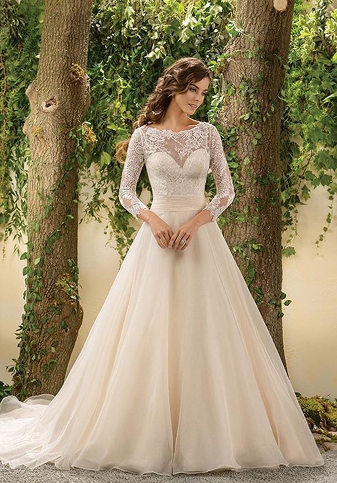 Кольори весільних суконь 2021: основні тренди 16