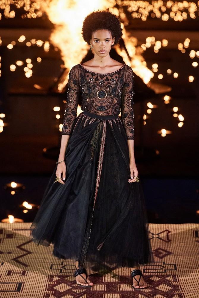 Сукні з вишивкою – кращі моделі сезону 2020-2021 10