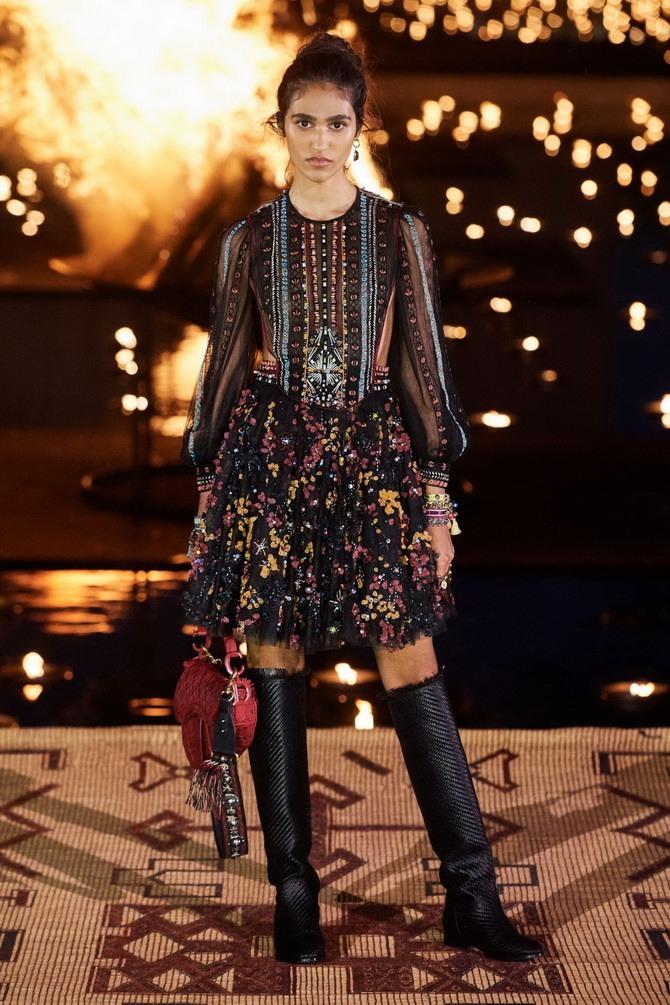 Сукні з вишивкою – кращі моделі сезону 2020-2021 11