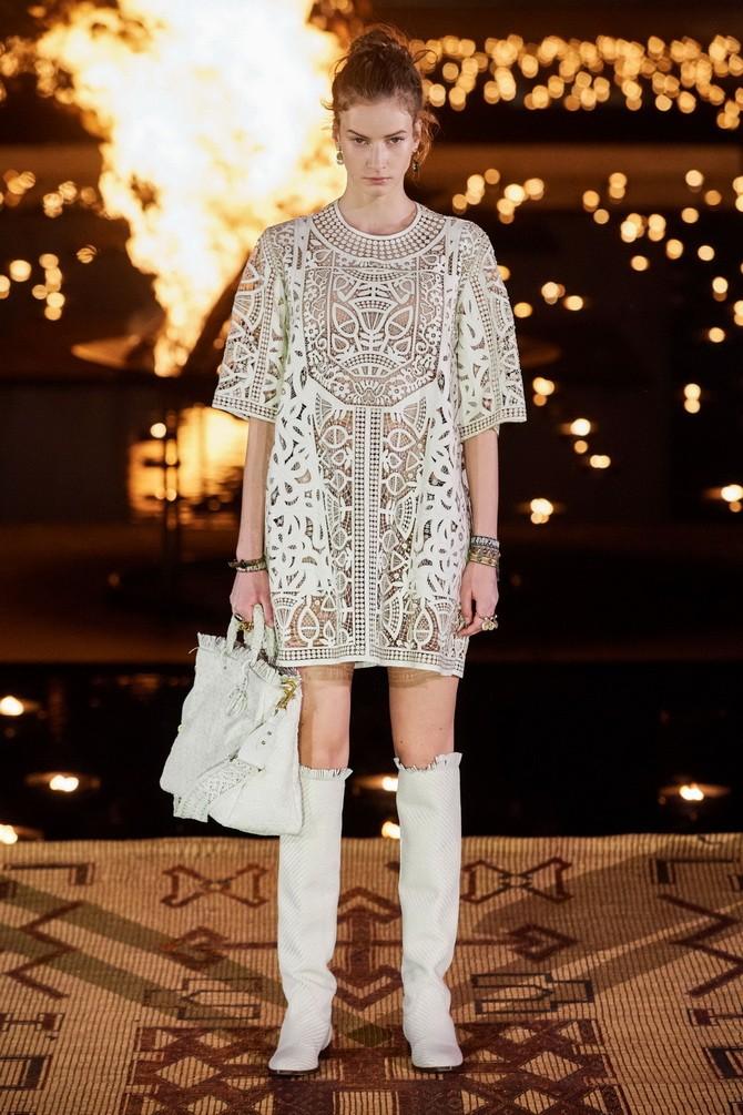 Сукні з вишивкою – кращі моделі сезону 2020-2021 12