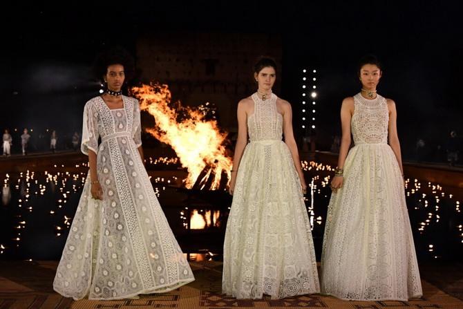Платья с вышивкой — лучшие модели сезона 2021-2022 13