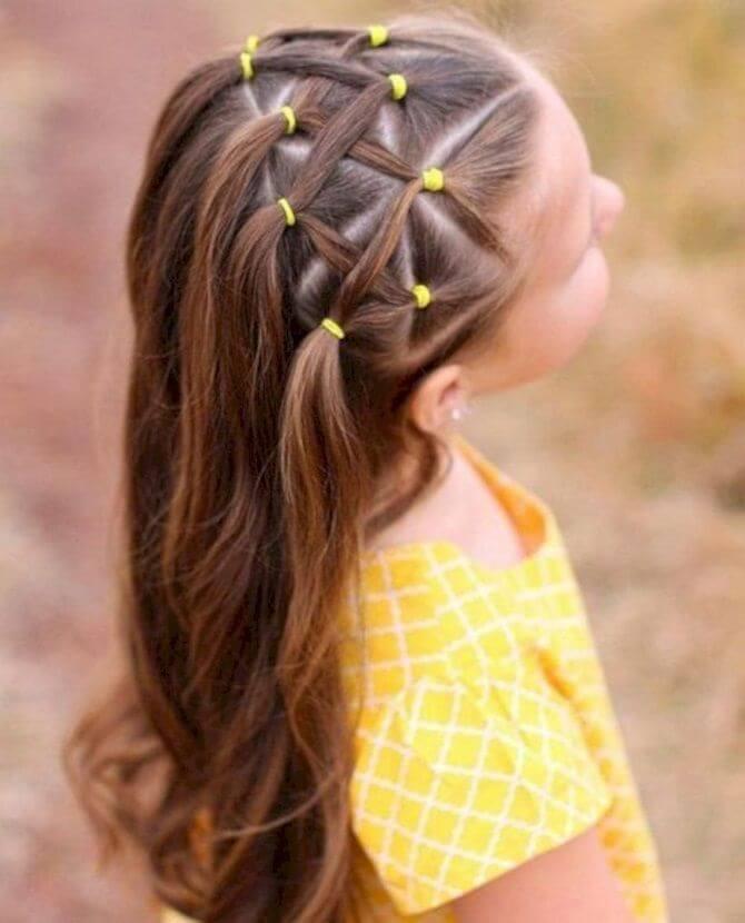 Красивые прически на 1 сентября с распущенными волосами для девочек 20