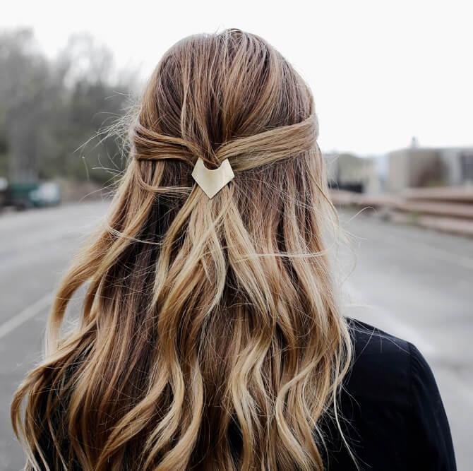 Красивые прически на 1 сентября с распущенными волосами для девочек 23