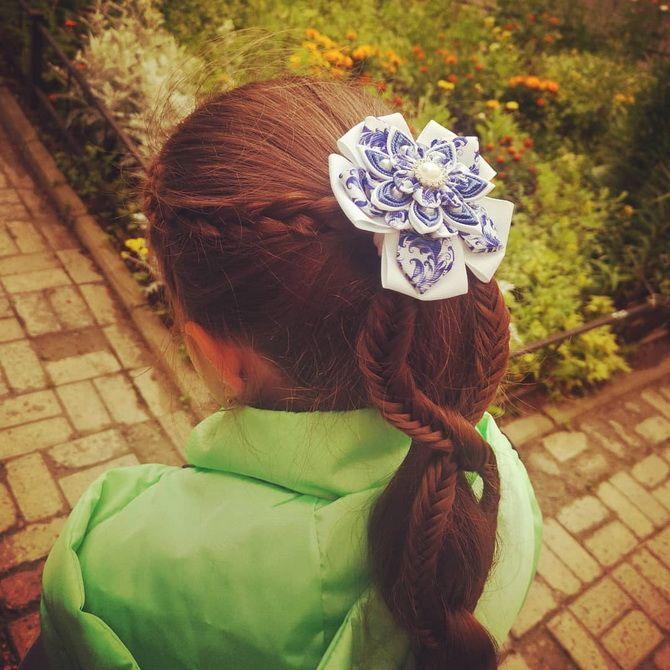 Зачіска з 1 бантом для дівчинки: стильні ідеї на 1 вересня 7