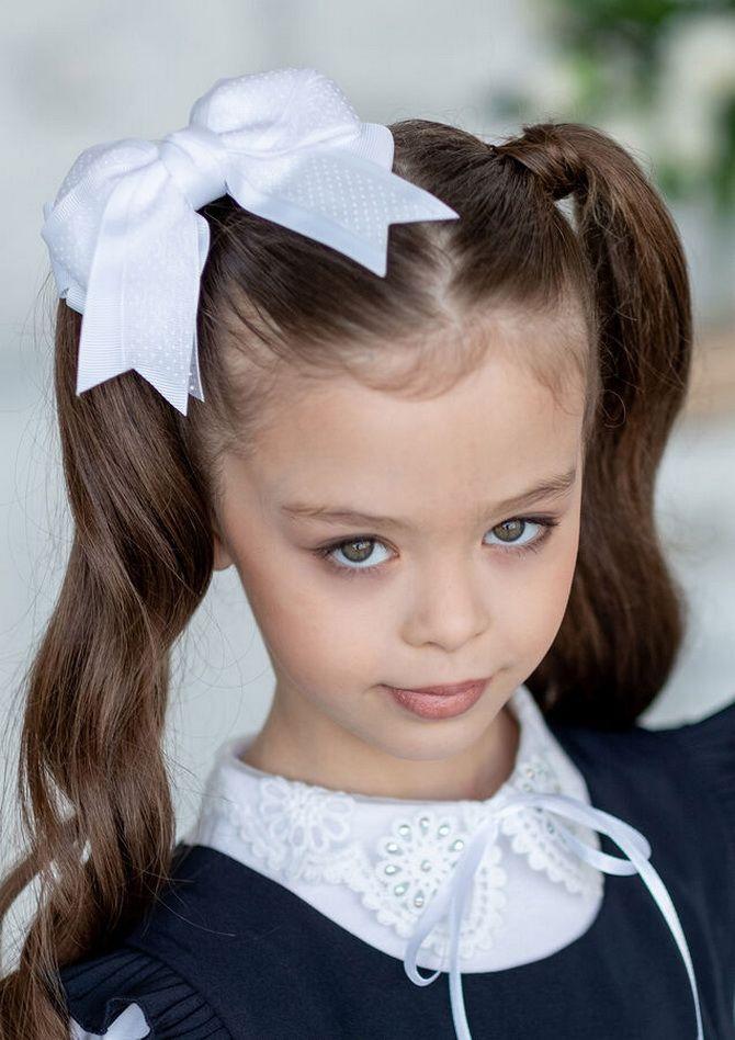 Зачіска з 1 бантом для дівчинки: стильні ідеї на 1 вересня 8