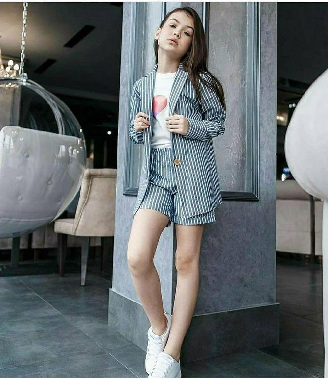 Модний одяг для підлітків 2021-2022: складаємо стильний гардеробчик 22