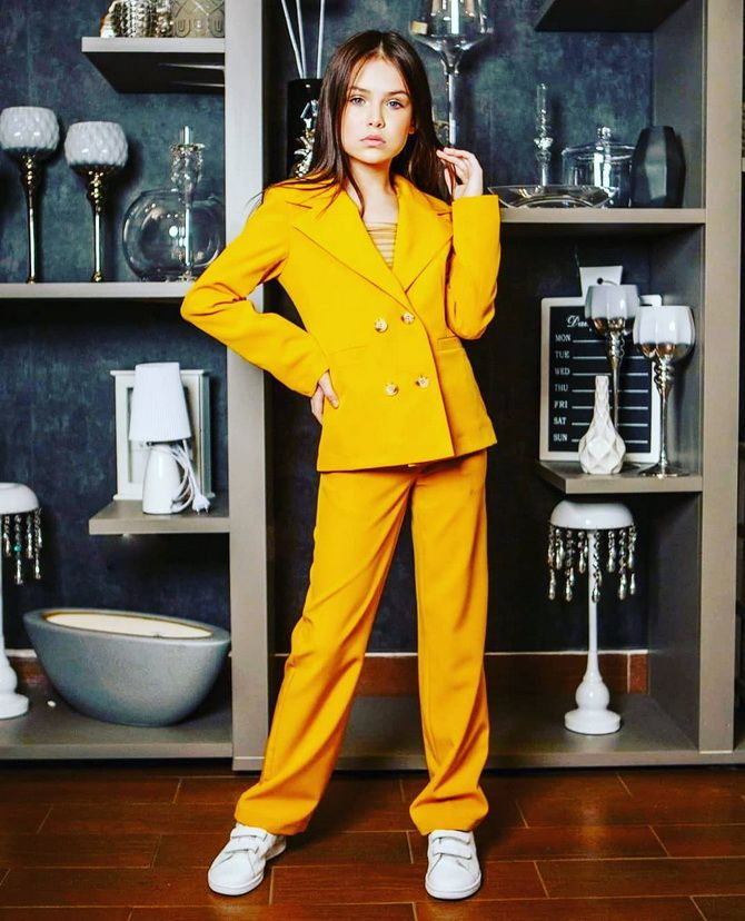 Модний одяг для підлітків 2021-2022: складаємо стильний гардеробчик 23