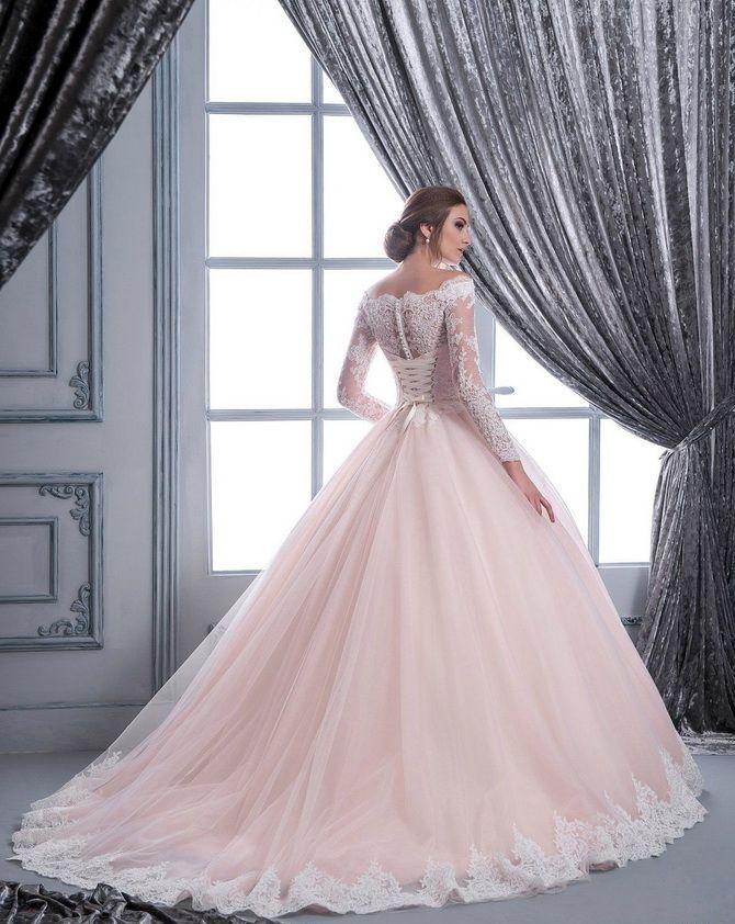 Кольори весільних суконь 2021: основні тренди 25