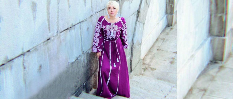 Оксана Пекун у новій сукні від дизайнера Оксани Полонець