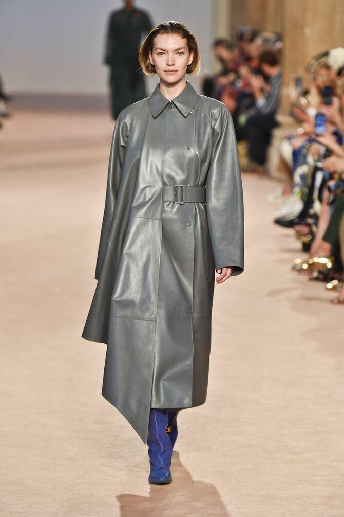 Шкіряні пальта 2020-2021: модні осінні аутфіти 10