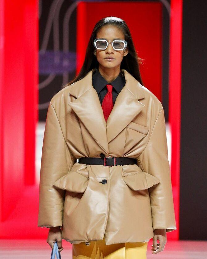 Шкіряні пальта 2020-2021: модні осінні аутфіти 1